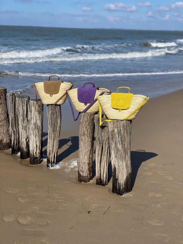 Grote rieten strandtassen in diverse kleuren